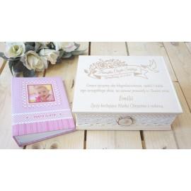 Różowy album w szkatułce z Twoim grawerem