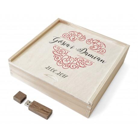 Drewniana szkatułka na pendrive i zdjęcia 10x15